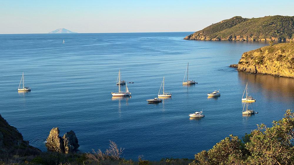Die Ferienanlage Residence Al Barcoco auf der Insel Elba liegt nahe ...